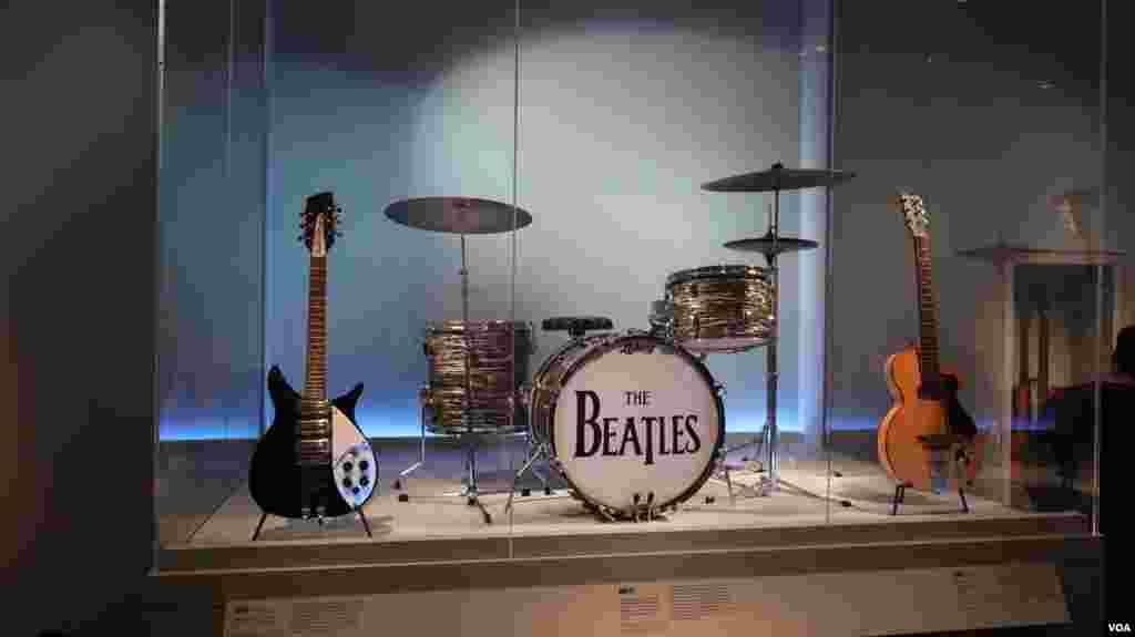 Ударная установкаThe Beatles