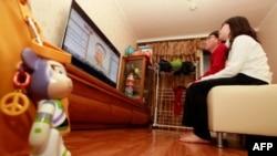 U pojedinim hotelima u SAD dostupno je nekoliko kanala na kineskom jeziku