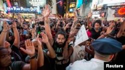 Demonstracije u Fergusonu u saveznoj državi Mizuri traju danima