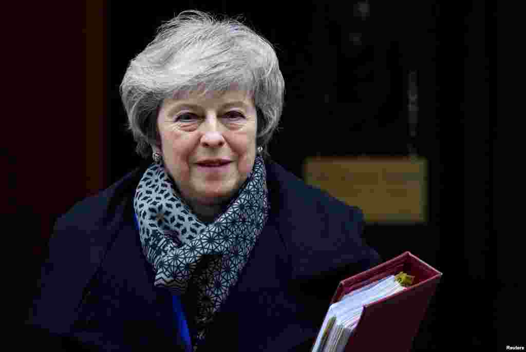 ترزا می نخست وزیر بریتانیا روزهای سختی را می گذراند. توافق او با اروپا برای جدایی از اتحادیه در پارلمان بریتانیا شکست سختی خورد.