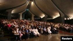 Lebanese, Syrian Christian Maronites pray for peace Syria, in Harisa, Lebanon, Sept. 7, 2013.