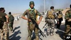 Pasukan keamanan Irak di kota Tuz Khormato, di selatan Kirkuk 16 Oktober 2017 (foto: dok).