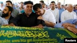 Sahrana žrtava samoubilačkog napada u Turskoj.