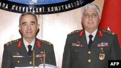 Devir teslim töreni basına kapalı yapıldı.Konuyla ilgili açıklama Kara Kuvvetleri Komutanlığı'nın Internet sitesinde yayınlandı