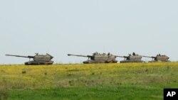 지난 5월 러시아와 우크라이나 국경 인근에서 러시아 군 탱그 부대가 군사 훈련 중이다. (자료사진)