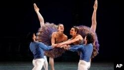 La deserción es sólo la última de artistas talentosos, figuras del deporte e intelectuales cubanos.