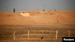 صحرای غربی به دو بخش تقسیم شده: جنوب تحت کنترل مراکش و شمال در کنترل پولیساریو. در وسط هم منطقه حائل سازمان ملل متحد است.