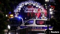 法国警方在斯特拉斯堡封锁枪击案件现场