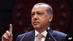 رئیس جمهور اردوغان گفته است که اردوی ترکیه از عراق دستور نمیگیرد