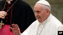 Đức Giáo hoàng cảnh báo chớ mong tìm ra một vị cứu tinh vào những thời kỳ khủng hoảng.