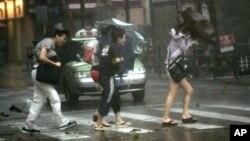 Шанхай, Китай. 8 августа 2012 г.
