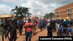 Protesto dos partidos da oposição termina com um morto