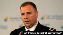 Бен Годжес на посаді командувача сухопутними силами США в Європівідвідує в Україну у січні 2015 року