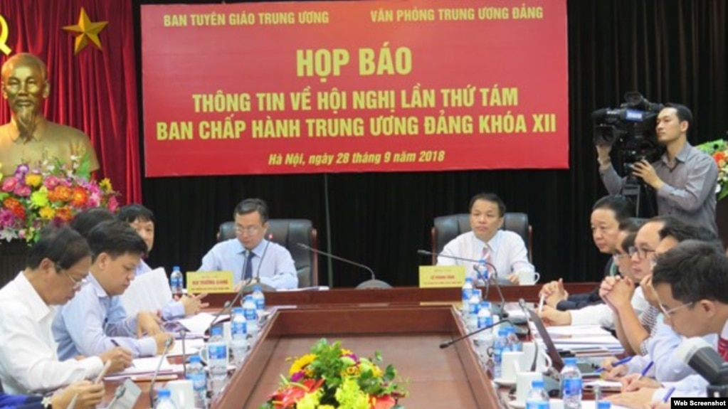 Ban Tuyên giáo Trung ương và Văn phòng Trung ương Đảng tổ chức họp báo về Hội nghị TƯ 8, 28/9/2018, tại Hà Nội. Photo QDND.
