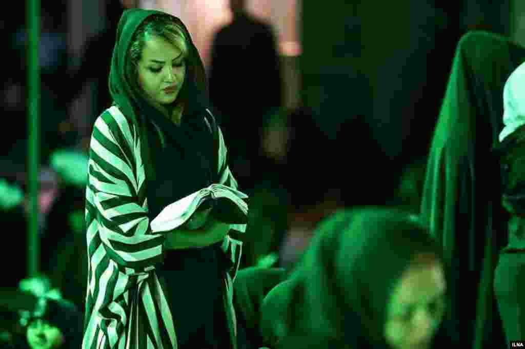 روزهای اخیر مراسم احیا در ایران برگزار شد که برخی از مردم به دعا و نیایش پرداختند. عکس: کیانوش محبیان