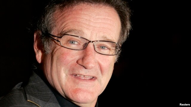 FILE - Actor Robin Williams arrives to attend the 2006 New York Film Critics Circle Awards in New York, Jan. 7, 2007.