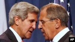 Sakataren harkokin wajen Amurka John Kerry da takwaransa na Rasha Sergei Lavrov.