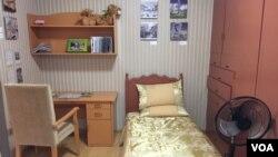 서울에서 열리고 있는 도시건축비엔날레에 평양 아파트를 재현한 '평양살림' 전시가 마련됐다.