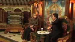 克林頓抵達蒙古,促進蒙古民主進程