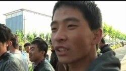 2012-09-26 美國之音視頻新聞: 太原依然有幾百人等候富士康招聘