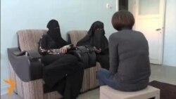 """""""عروسان فراری"""" از زندگی در قلمروی داعش میگویند"""