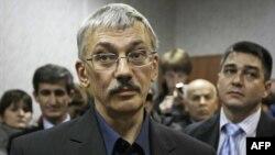 Олег Орлов в зале суда. Архивное фото