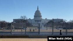 美国国会大厦在参议院展开对前总统特朗普弹劾审判前一天
