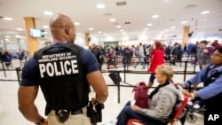 ایٹلانٹا ایئرپورٹ، سفر کرنے والوں کا رش