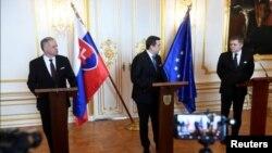 Президент республики Андрей Киска (слева) и премьер-министр Роберт Фицо (справа)