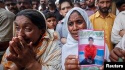 آتشزدگی میں ہلاک ہونے والوں کے لواحقین سراپا احتجاج۔فائل فوٹو
