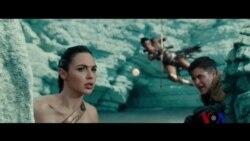 镜头前和镜头后的女超人们