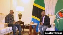 Seif Sharif Hamad, kushoto, alipokutana na Rais Magufuli Ikulu Dar es Salaam Tanzania.