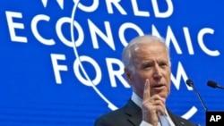 2016年1月20日美国副总统拜登在瑞士达沃斯举行的经济论坛会议上呼吁公平分享技术进步成果。