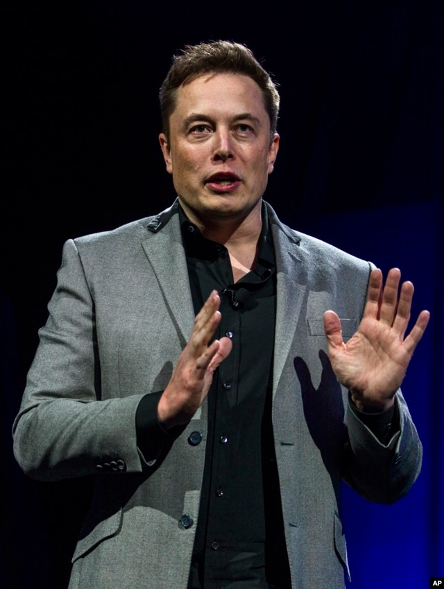 SpaceX CEO: Cause of Falcon Rocket Accident Still Unclear