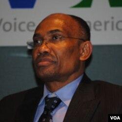 Pwofesè Sauveur Pierre Etienne
