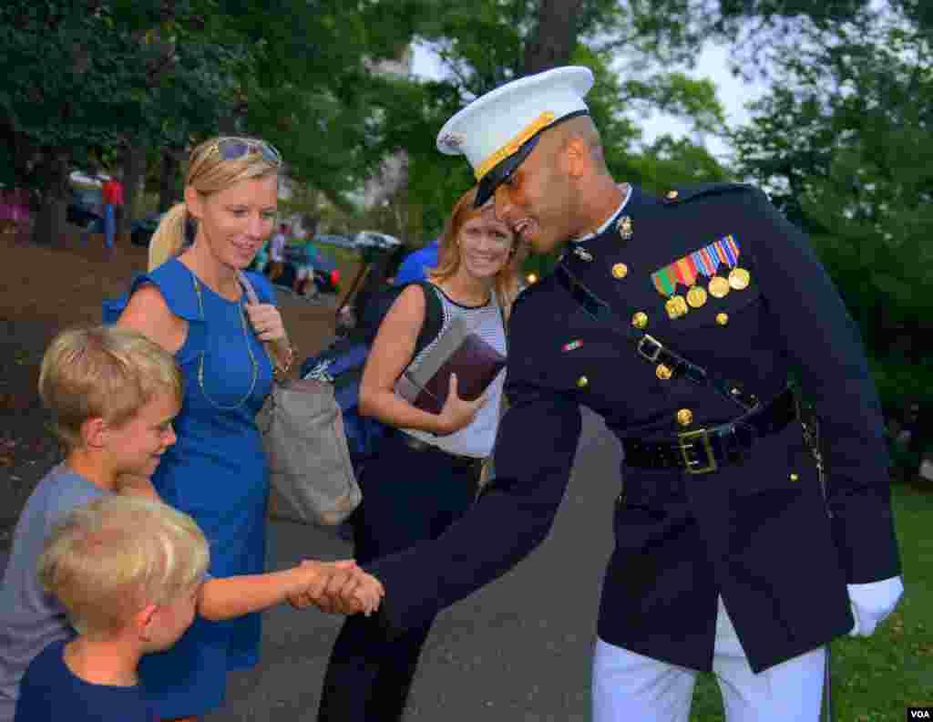 Поздравление морского пехотинца