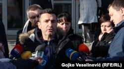 Davor Dragičević daje izjavu za medije, Banja Luka, 26. decembar 2018.
