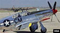 El avión de combate Mustang P-51 de la Segunda Guerra Mundial, como el de la fotografía, fue el protagonista del fatal accidente.