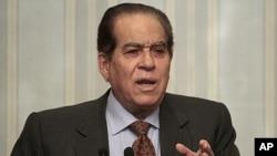 埃及軍方任命的總理詹祖里。