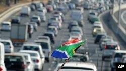 Lalu lintas di Johannesburg, Afrika Selatan (foto: ilustrasi). Afrika Selatan memiliki salah satu tingkat kematian lalu lintas paling tinggi di dunia.