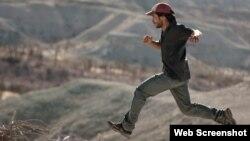 گایل گارسیا برنال در فیلم «دشت»