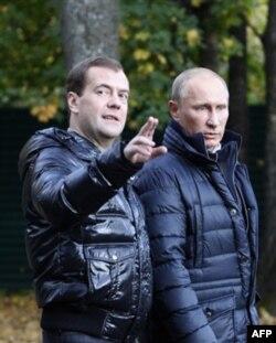 """Tahlilchilar: """"Ikkovlon"""" Rossiyani hali uzoq vaqt boshqaradi"""