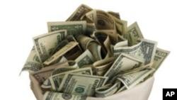 Super PACS หรือกลุ่มรณรงค์ทางการเมืองที่สนับสนุนนาย Mitt Romney ระดมทุนได้กว่า 18 ล้านดอลล่าร์ในช่วงครึ่งหลังของปีที่แล้ว