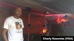Albert Kalonji révèrent de la secte Arc du ciel à Goma, le 22 octobre 2016. (VOA/Charly Kasereka)