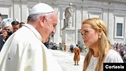 Lilian Tintori dijo que el papa se había mostrado preocupado por la situación en Venezuela (Foto: Voluntad Popular)