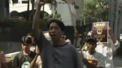 菲律宾活动人士抗议中国新版护照