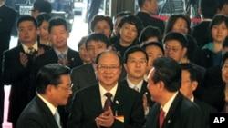江丙坤(左)和陈云林(右) 在致词后握手