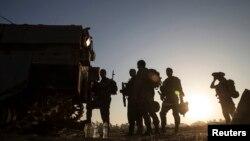 30일 이스라엘 군인들이 가지지구 국경 인근에 주둔하고 있다.
