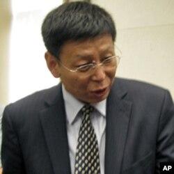 中国国家行政学院教授时和兴