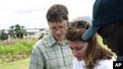 盖茨夫妇2006年访问尼日利亚